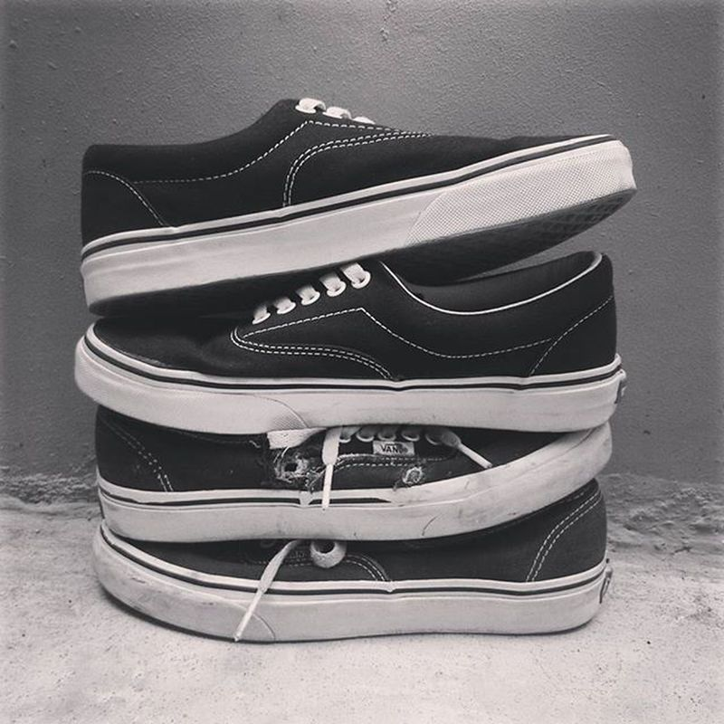 The classic black and white Vans Vansporn Classiccore Wheremyvansgo Underthepalms Lifeauthentic Lifefolk Dailyvansindonesia Likeforlike Likeforfollow