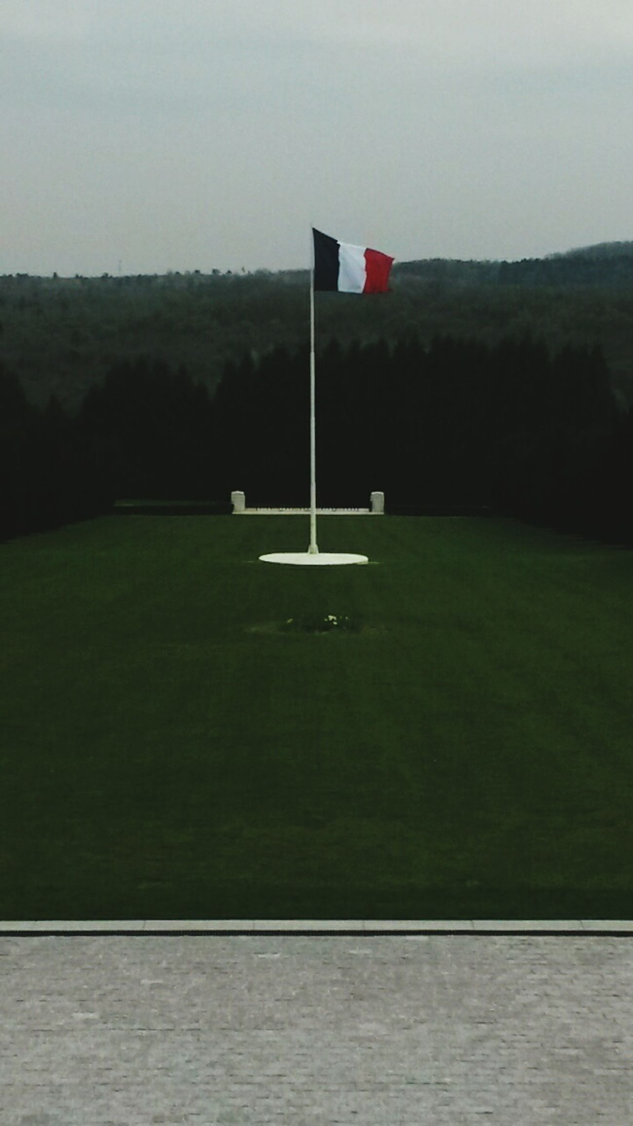 Introduction: My trip to Verdun 1916 1/3 Trip Verdun World War 1 Memorial France Enjoying The View French Flag