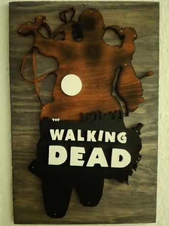 """@selfmade The walking Dead """"Daryl"""" Walldecore Wood - Material Text No People Close-up Tribute Silhouette Old-fashioned The Walking Dead Daryl Motorcycle Zombie"""