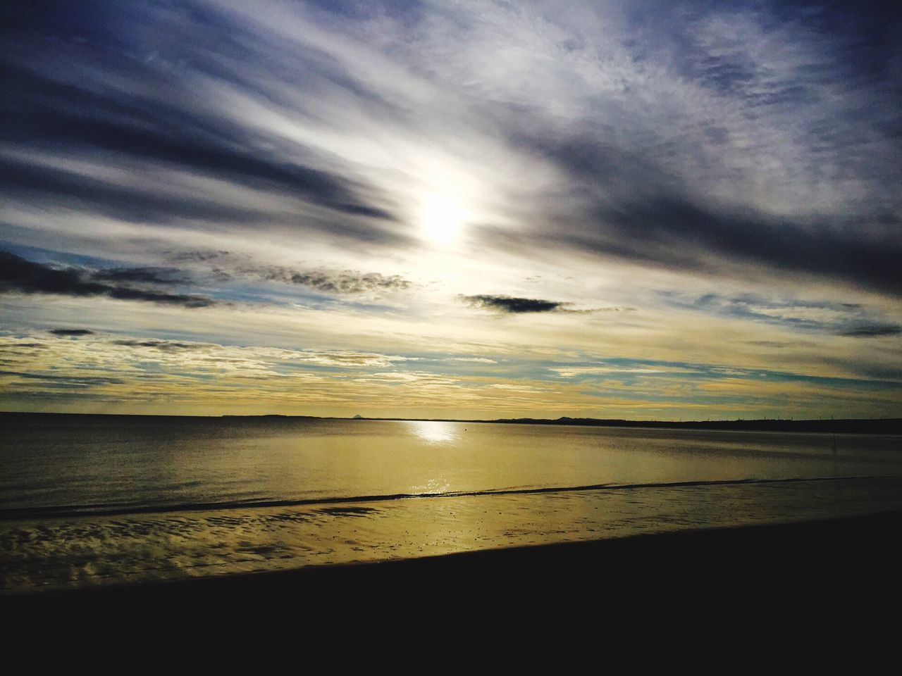 43 Golden Moments Sunrise_sunsets_aroundworld Portobello Beach, Edinburgh