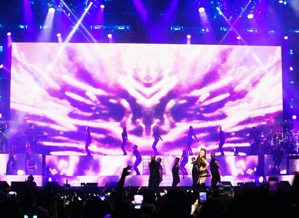 15.05.2015 Arianagrande Honeymoon Tour