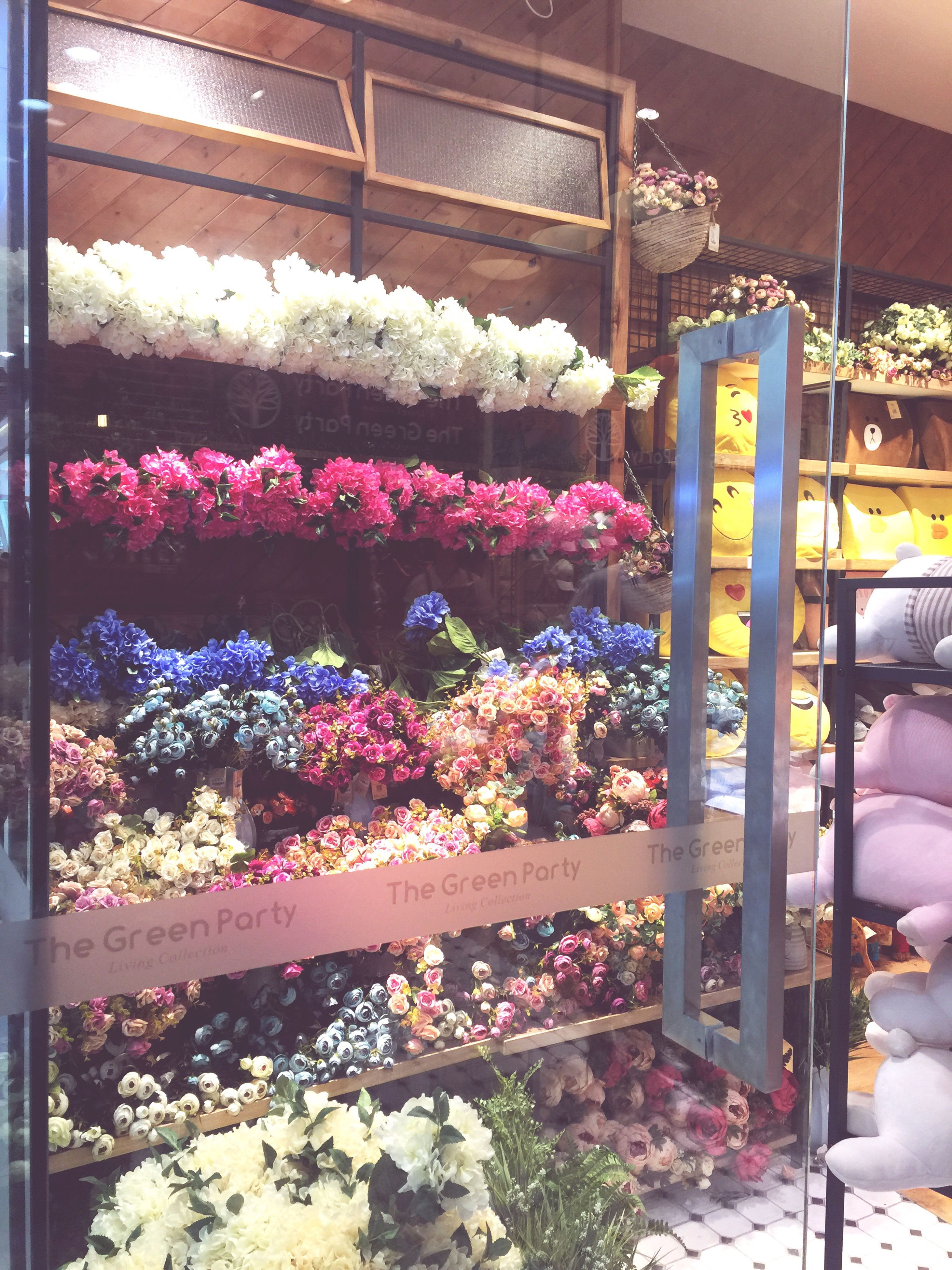 retail, flower, for sale, choice, small business, freshness, store, real people, variation, indoors, men, flower shop, business, market, day, one person, people