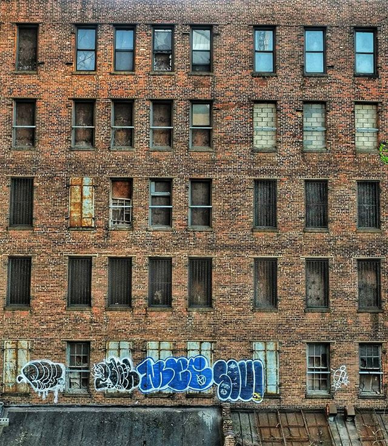 Dailywalk Window Newyork Leftbehind Emptyplaces Emptyspace Abandoned Brokenglass Newyorkcitystreet Nyinstagrammer NY Dailyphoto Graffiti Oldbuilding Beautyindecay