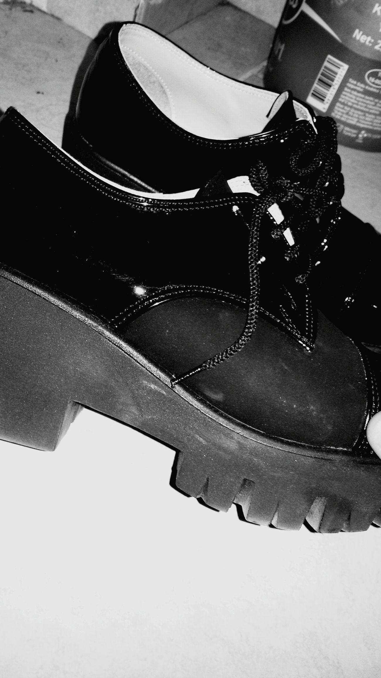 Ayakkabıaşki