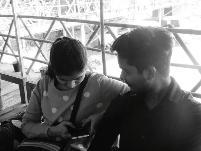 Mobile Conversations Thatlookinhereyes Two People Couple - Relationship Togetherness Love