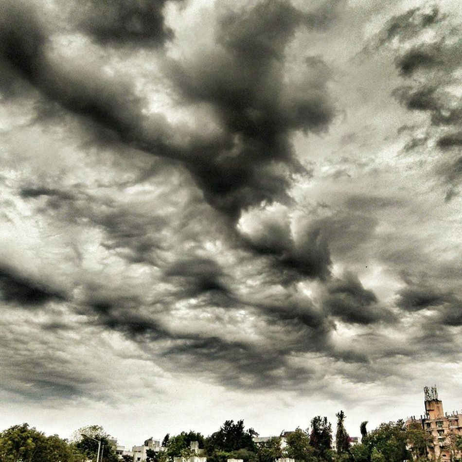 Awesomeness in the weather Rainy Days Clouds Clouds And Sky Hdrphotography Hdrlovers