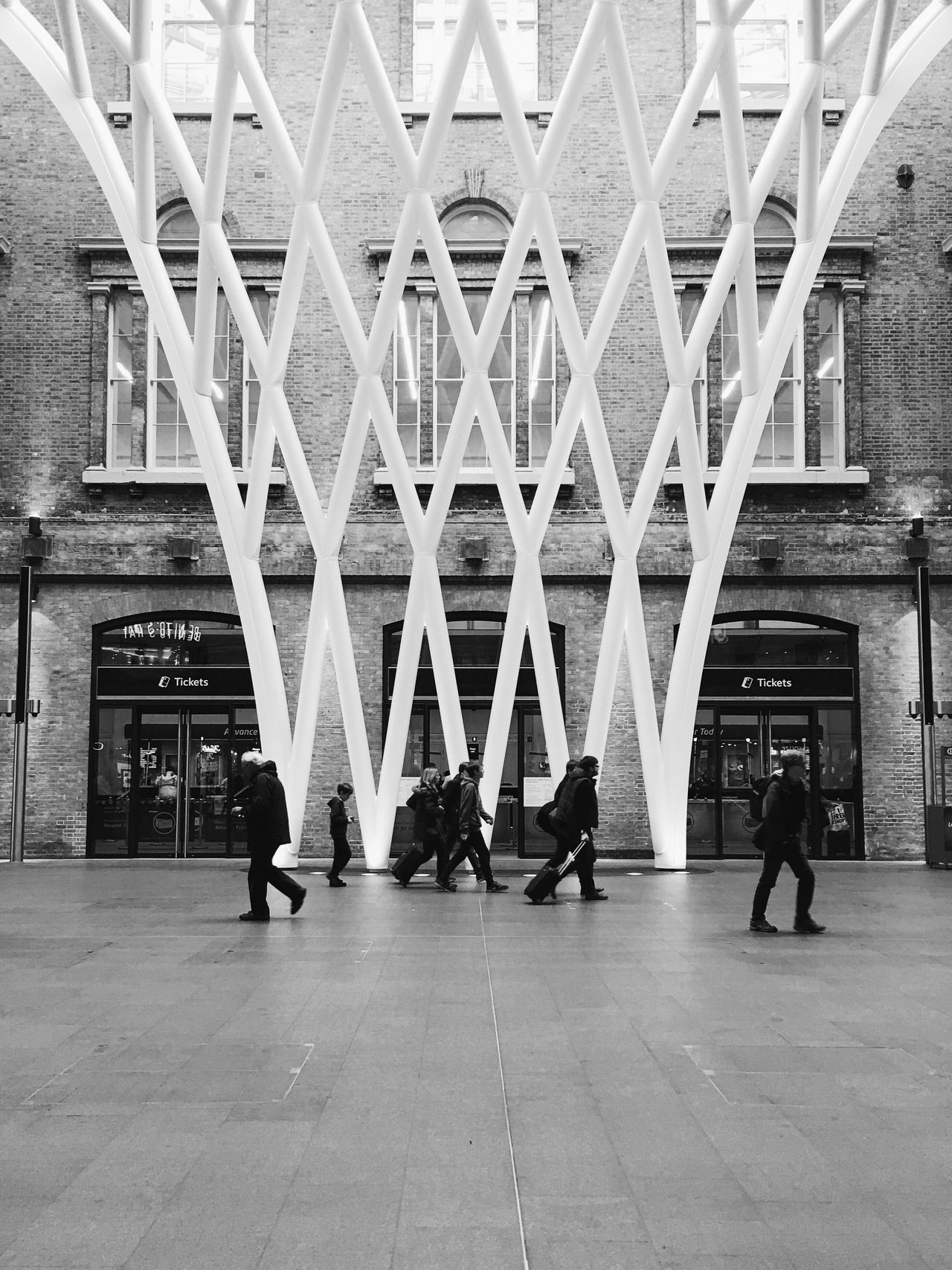 Lines Check This Out Taking Photos Vscocam VSCO IPhoneography Iphonesia Iphoneonly Iphone6splus Streetphoto_bw Streetphotography Harry Potter ❤ Harry Potter ⚡ Harry Potter