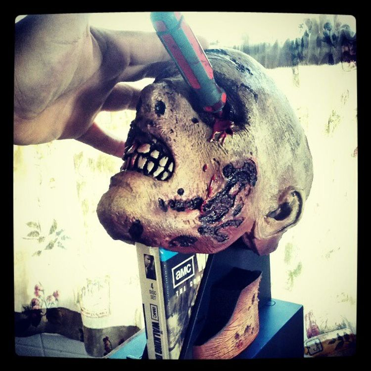 You already know I was going to get this :) Zombie Walkingdead Horror Colletion addictedtozombies ilovehorror