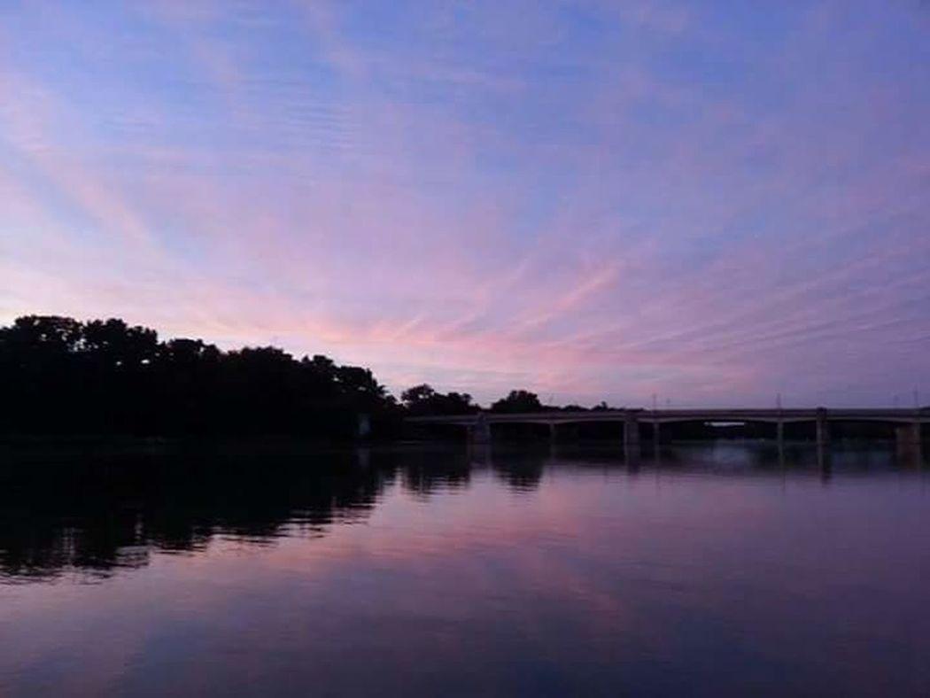 Perrysburg, Ohio Sunset Relaxing Sunset #sun #clouds #skylovers #sky #nature #beautifulinnature #naturalbeauty #photography #landscape