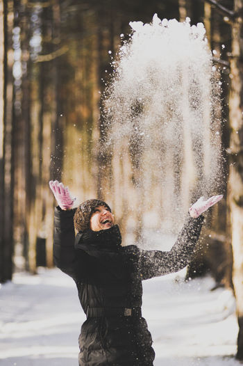 Winter luck. Girl throwing snow in the air. Beautiful Women In The World Black Cold Temperature Day Enjoyment Flakes Fun Happiness Leisure Activity Lifestyles Love Luck Motion Nature One Person Outdoors Real People Smile :) Smile_winter Snow Throwing Snow White Winter Winter_smile Women