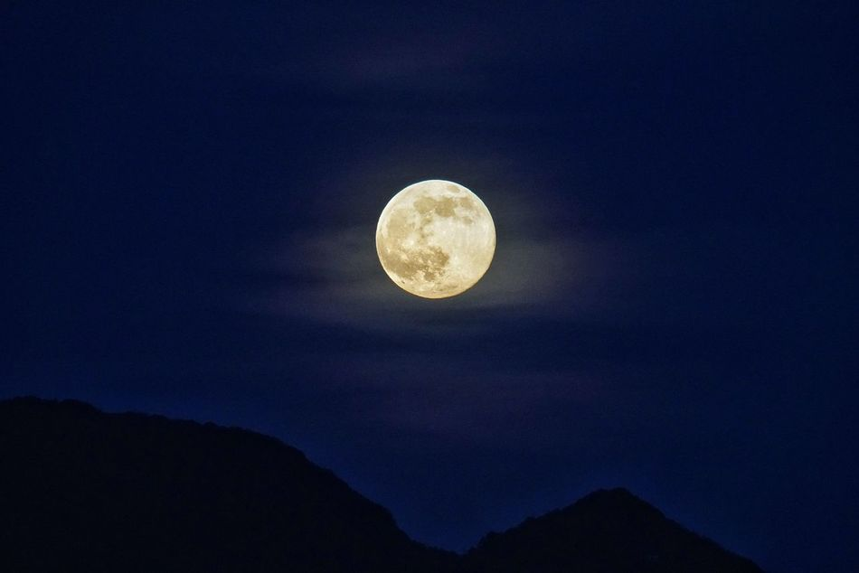 Beautiful stock photos of full moon, Astronomy, Beauty In Nature, Circle, Copy Space