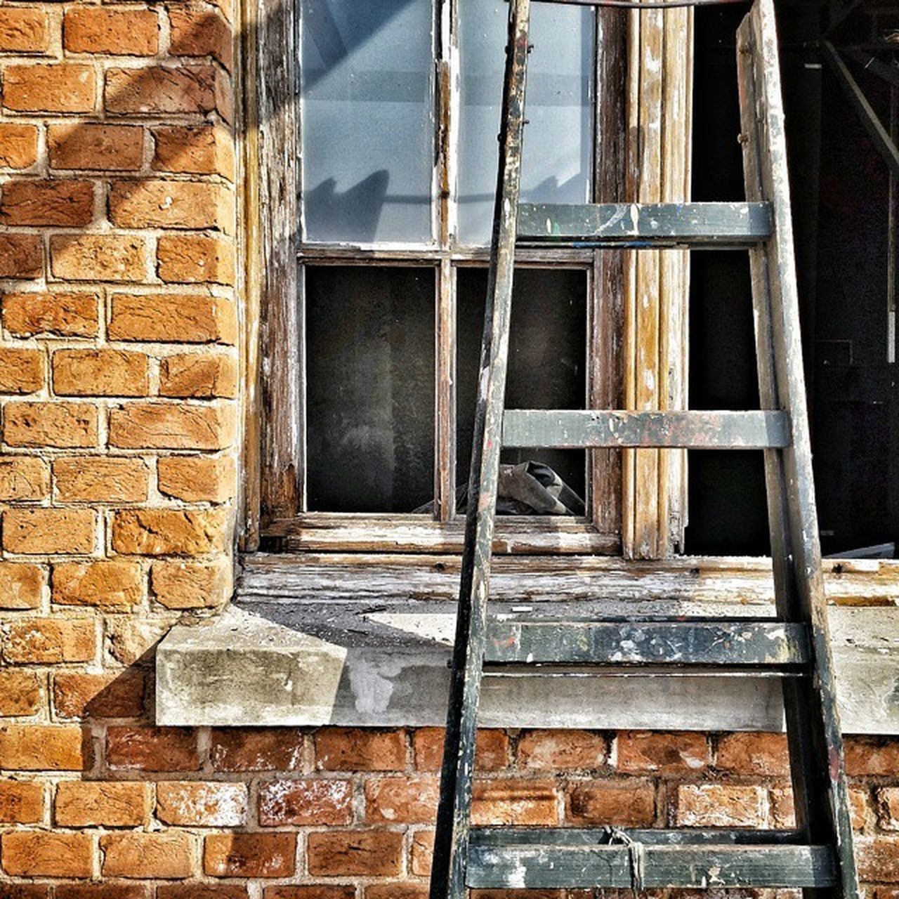 architecture, brick wall, window, day, built structure, no people, building exterior, outdoors, close-up