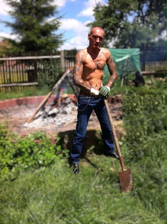 One Person Shirtless One Man Only Outdoors Lifestyles Real People Skinhead Oi! Tattoo Cigarette