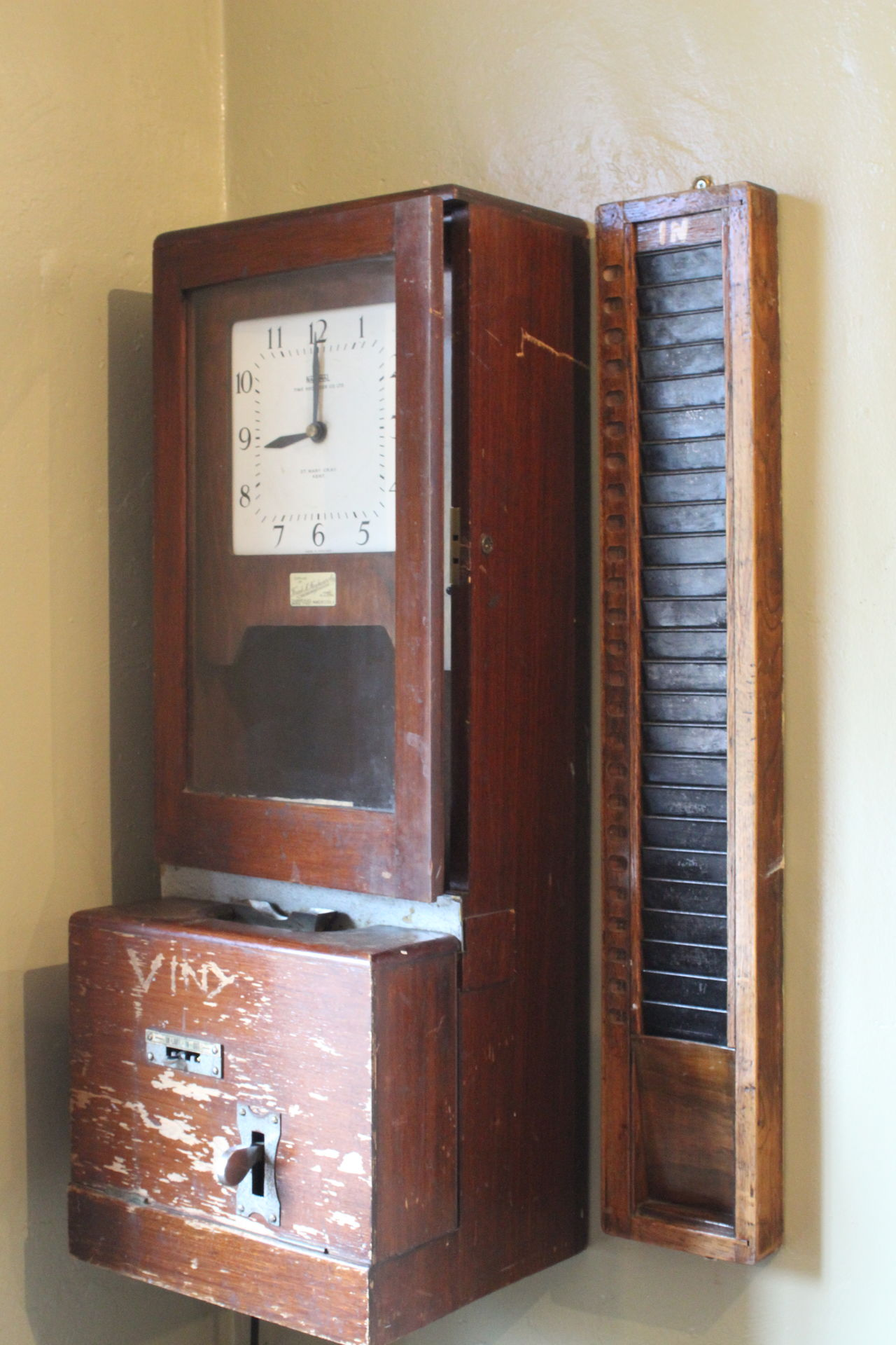 Antique Clock Clock Face Clocking In Clocking In Machine Clockingout Close-up Day Factory History Indoors  Museum No People Obsolete Old Old-fashioned Retro Styled Technology Time Vintage