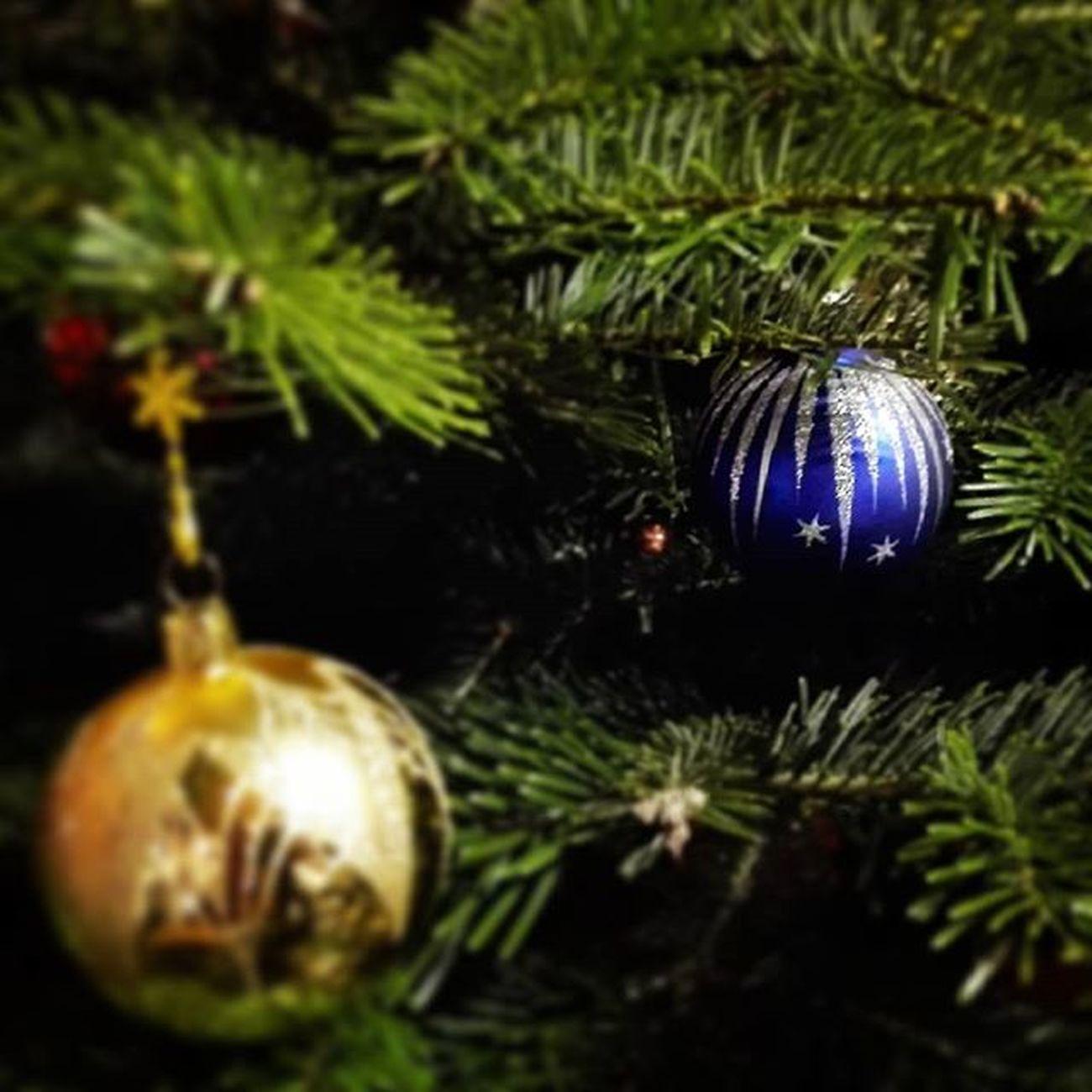 MerryChristmas Christmastree FroheWeihnachten Christbaum Christbaumkugeln Christbaumschmuck Christmasinaustria Austria Holiday Stillenacht Silentnight Christkind Winter