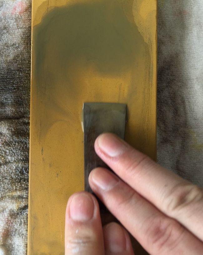 包丁 Knife Sharp Human Finger Leathercraft Taking Photos 研ぎ Enjoying Life Holding Yellow
