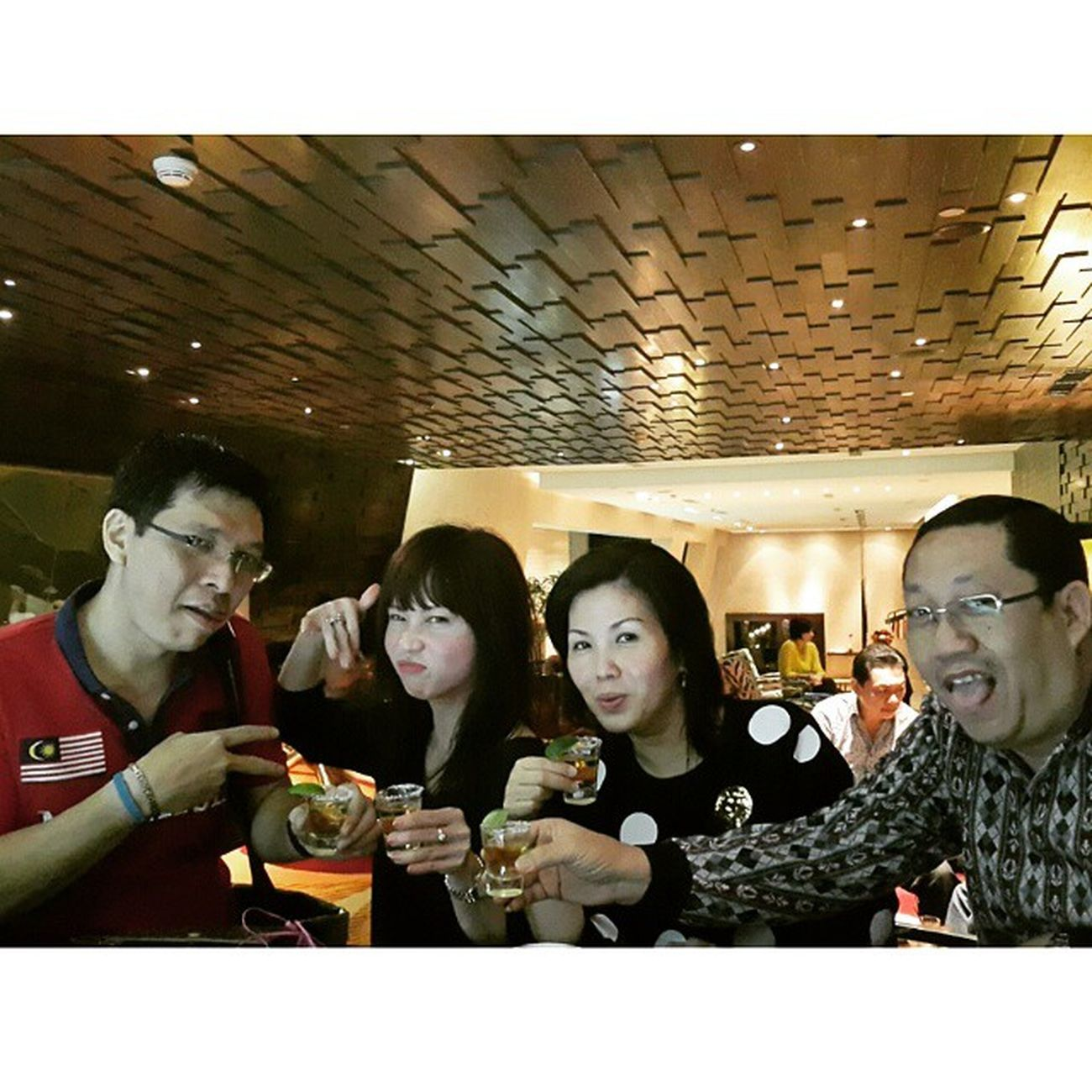 Self relax after longg meeting for 2 days ?? Hiltonhotel Hilton Bandung Meeting workstyle LifeStyle LifeVibe Liquer WineLover Travelmaniac Traveller 2015.01.09