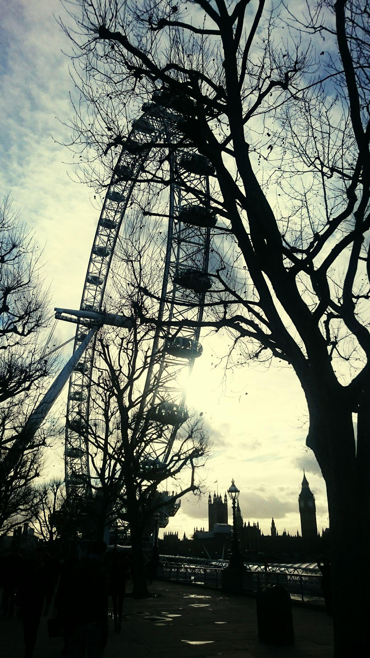 London EYE Am London Urban Architecture Modern Landmark Sky Sunlight Silhouette The City Light