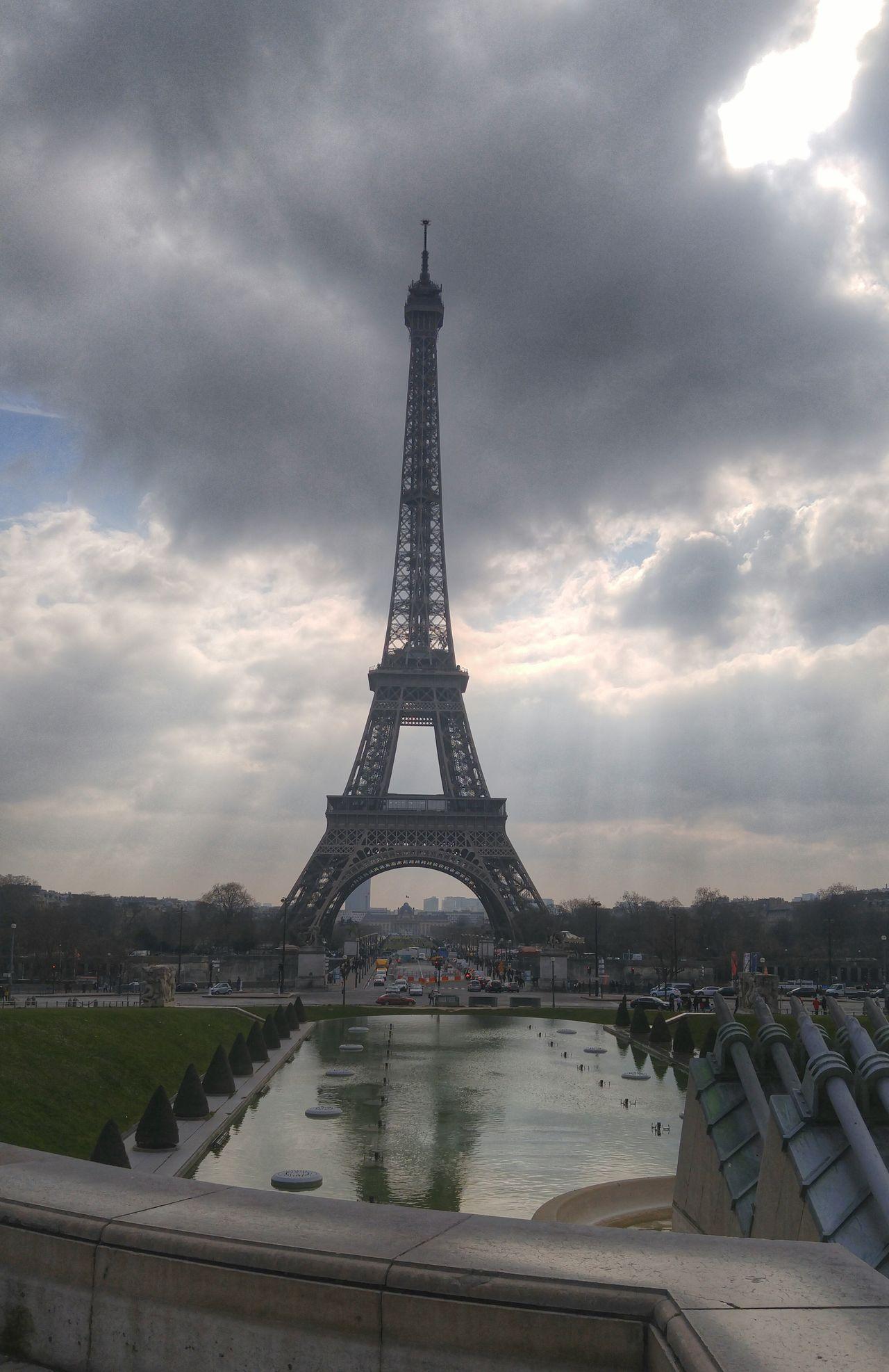 Je suis Paris, Bruxelles, je suis le monde entier Eiffel_tower  Eiffeltower Eiffel_tower  Eiffel Eiffel Tower♥ Tour Eiffel Tour Eiffel, Paris. Tour Eiffel ♥ Je Suis Charlie Je Suis Paris Je Suis Bruxelles Je Suis France/Paris Je Suis Trocadero Trocadeiro Esplanade Esplanada Here Belongs To Me