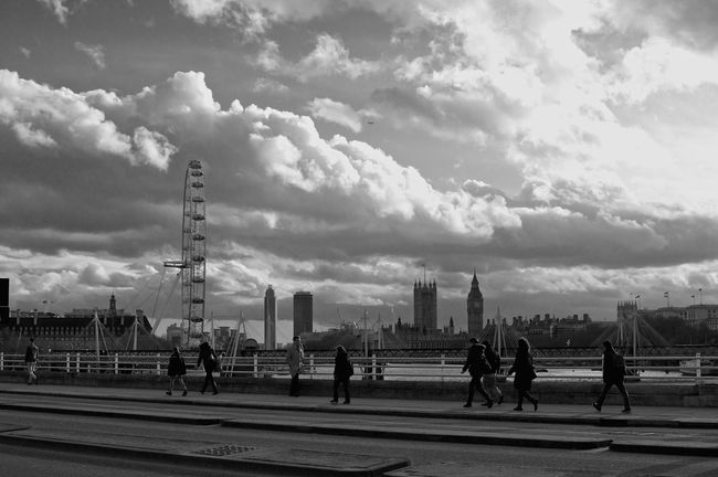 Blowin' In The Wind on the Waterloo Bridge (without sunset). it was windy and freezing cold for filming. I wish we could make it in the best season...