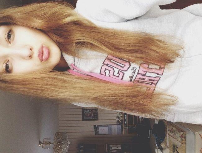 Hello World Black & White Kiss Long Hair ?