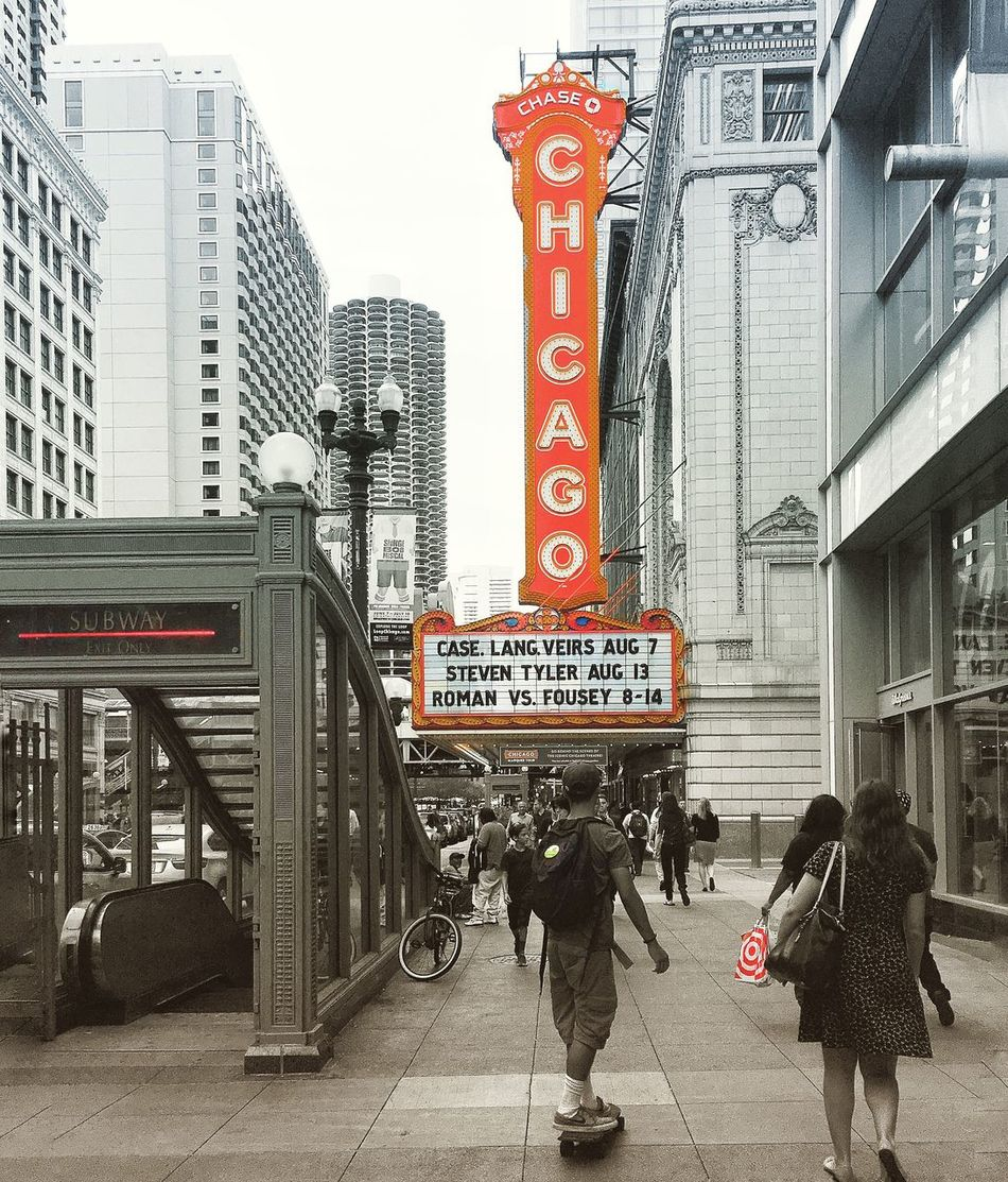 Chicago Chicago Theatre Colour Of Life Classic Architecture Red Love Chicago ♥ Pictureoftheday Picture Eyeemgallery EyeEm Best Shots Urban Art Iphoneonly Discover Your City Amateurphotography Where I Am The City Light