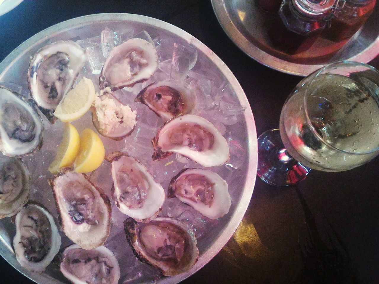 Oyster  Pinor Gris White Wine Chilling Bar Lounge Piñor Delicious