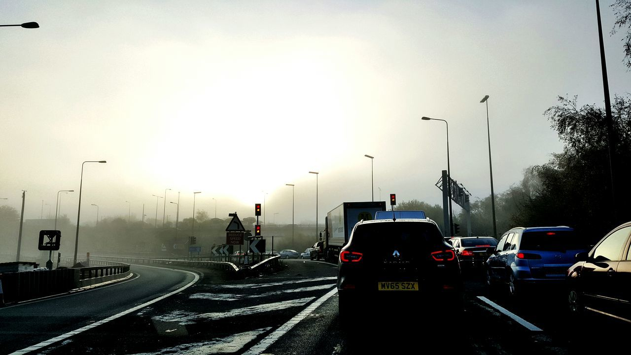 Simister Island Mondaymorning Mondayblues Work Trafficlight Capture The Moment Foggy Morning Swinton