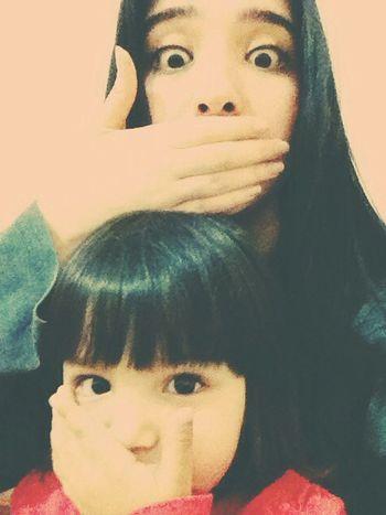 Cute Baby Sister Love Hand Eyes Hello World Family