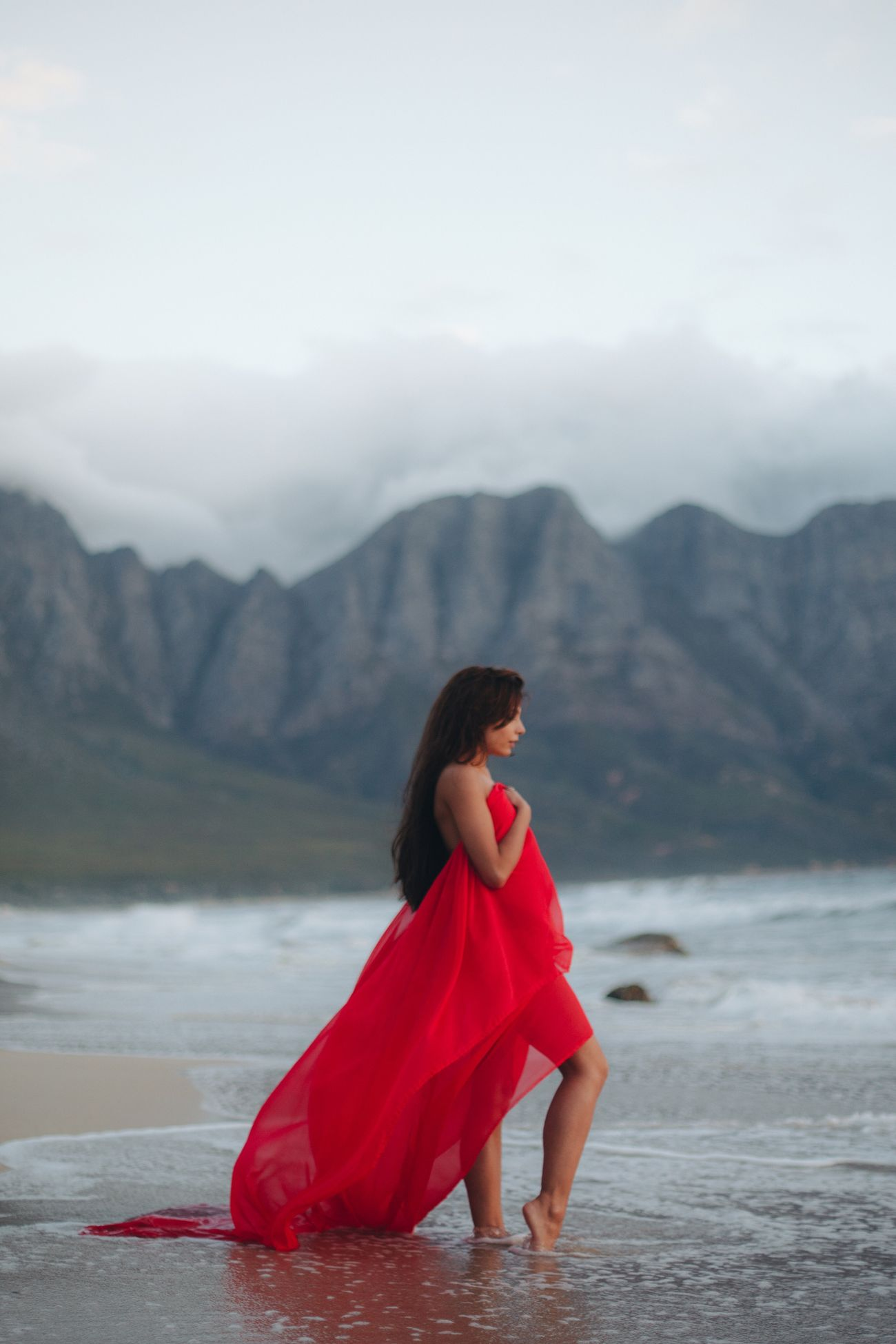 Full Length Mountain One Person Mountain Range Real People Young Adult Standing Leisure Activity Fog Nature Outdoors Beauty In Nature Scenics Day Sky Sand Water Young Women People Women Around The World Beach South Africa Women Around The World