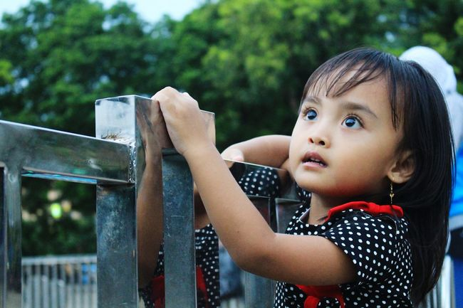 look at that..........Canon700D Canon Canonphotography Malang Malang, Indonesia Children Close-up Children Photography