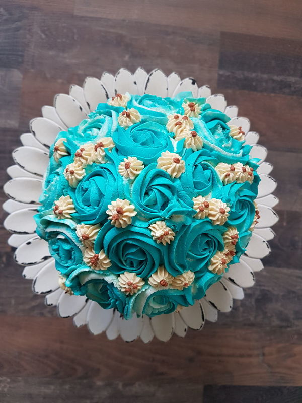 High Angle View Freshness Flower Close-up Ready-to-eat Cupcake Blue Fooddecoration Yammy!!  Sweet Sweet Food Creamy