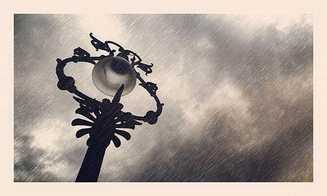 Piove sul bagnato. Palermo RainyDay Melancholia Teatromassimo Instantphoto