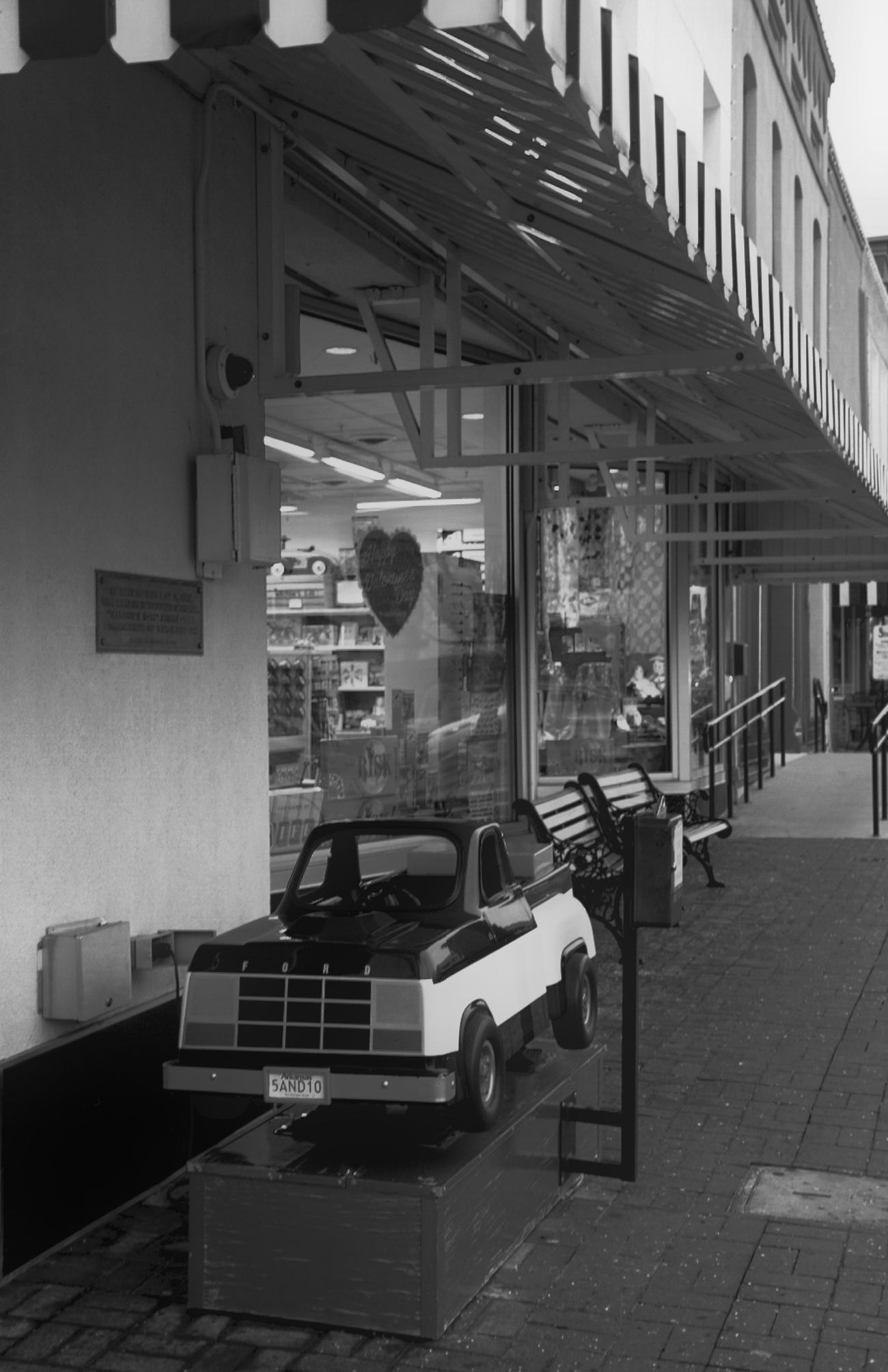 Feeling Nostalgic Check This Out Vintage Black And White Photography Trucks Toys Small Town Quiet Moments First Eyeem Photo Walmart Walmart Family Blackandwhite Black And White Black & White Blackandwhite Photography Black&white Vintage Shopping Vintage Style