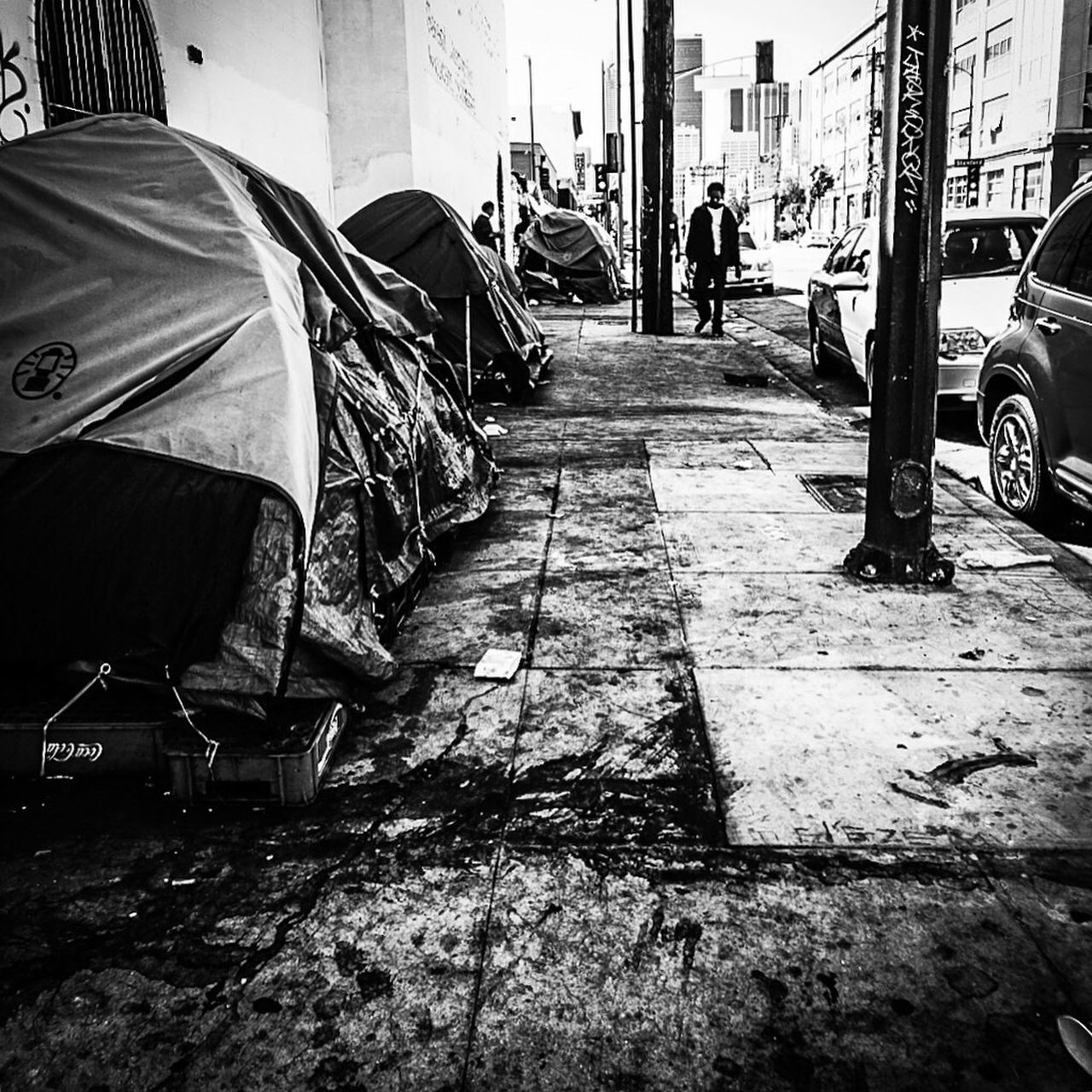 Built Structure Men Real People City Bnw Bnwphotography Bnw_collection Bnw_captures Bnw_society Blackandwhite EyeEm Gallery Sony A6000 Wanderer Go Explore Eyeemphotography SoCal California Dreaming These Streets Skid Row DTLA To Live And Die In LA Losangeles These Streets The Struggle Concrete Jungle
