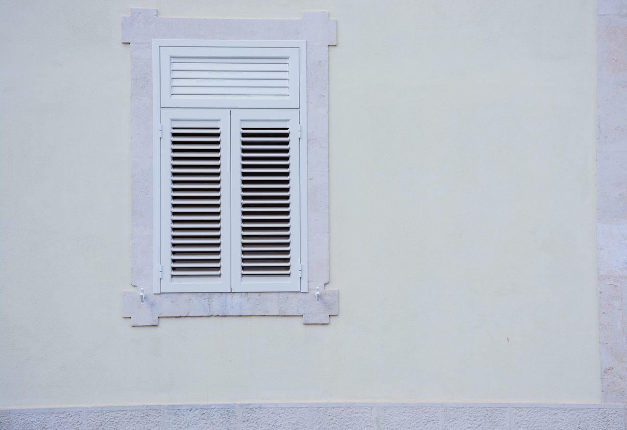 window, architecture, building exterior, built structure, air duct, no people, day, outdoors, whitewashed, close-up