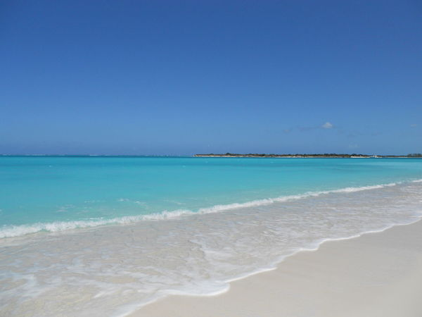 Beach Beauty In Nature Blue Sky Caraibbean Trip Clouds And Sky Clubmed Coastline Nature Non-urban Scene Ocean Outdoors Paradise Playa Sea Sea Waves Shore Tranquil Scene Tranquility Turks And Caicos Turks And Caicos Islands Turquoise Turquoise Water Water Waves Landscape