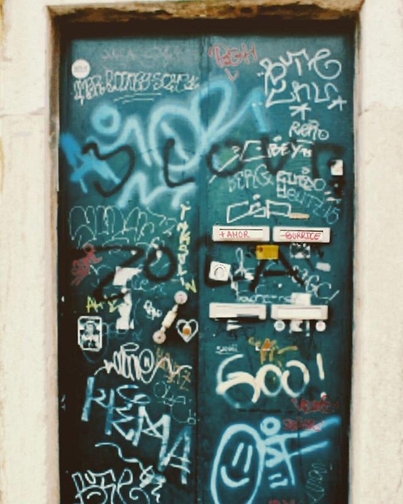 +amor -burrice Portugallovers Portugaloteuolhar Portugaldenorteasul Portugalcomefeitos Super_lisboa Super_portugal Faded_world Faded_portugal VSCAM P3top Takeoverinspiration Lisboalovers Lisboaconvida Lisboalive Storybehindsquares Behindthescenes Yoursquarehere Uniplacesliving Bomregisto Igers Igerslx Igersportugal Graffitilisbon