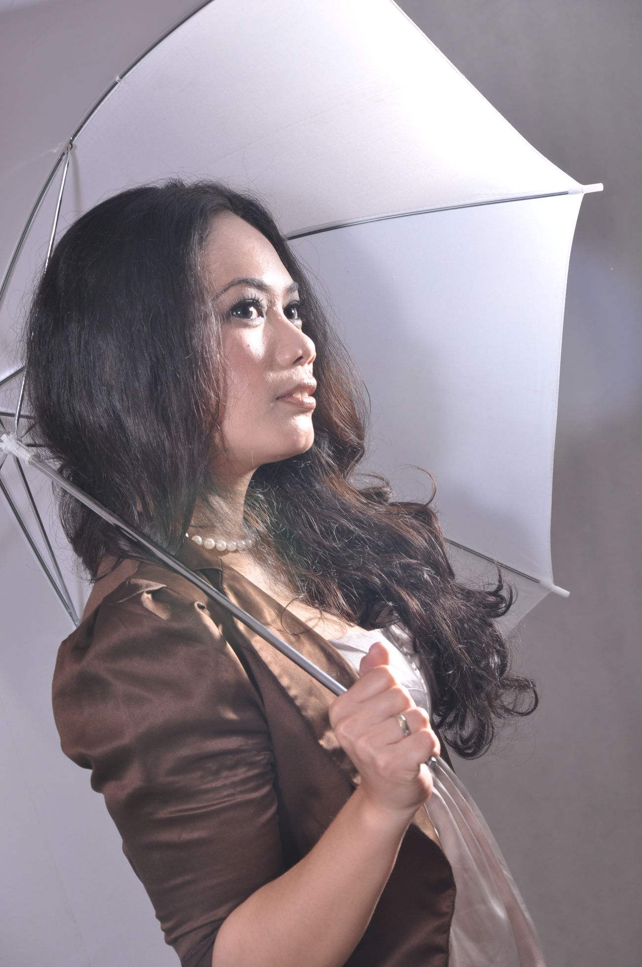 Under my umbrella...☔💧☁😁 Taking Photos Check This Out That's Me Cheese! Hello World Just Taking Pictures Take Picture Being A Model Make Moments Taking Pictures Cheese! Hi! Its Me Me Self Portrait Portrait Portrait Of A Woman January Showcase: January