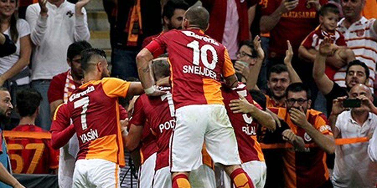 GalataSaray Cimbombom UltrAslan Ttarena Sneijder Wesley Sneijder Goal Alisamiyen Podolski Cimbom Askina 10sneijder Webaslan 4Yildiz