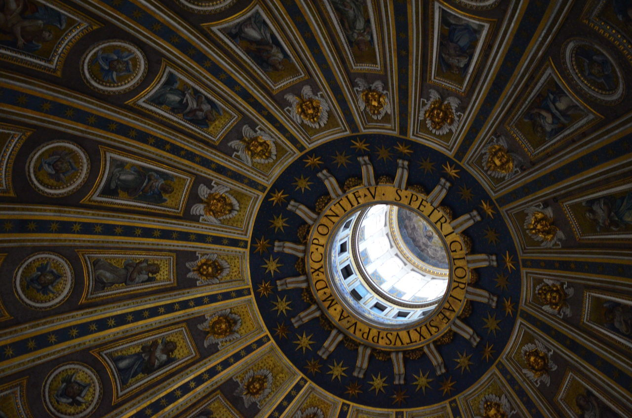 Into the SKY Architectural Design Architectural Feature Architecture Ceiling Cupola Directly Below Dome History Illuminated No People Travel Destinations