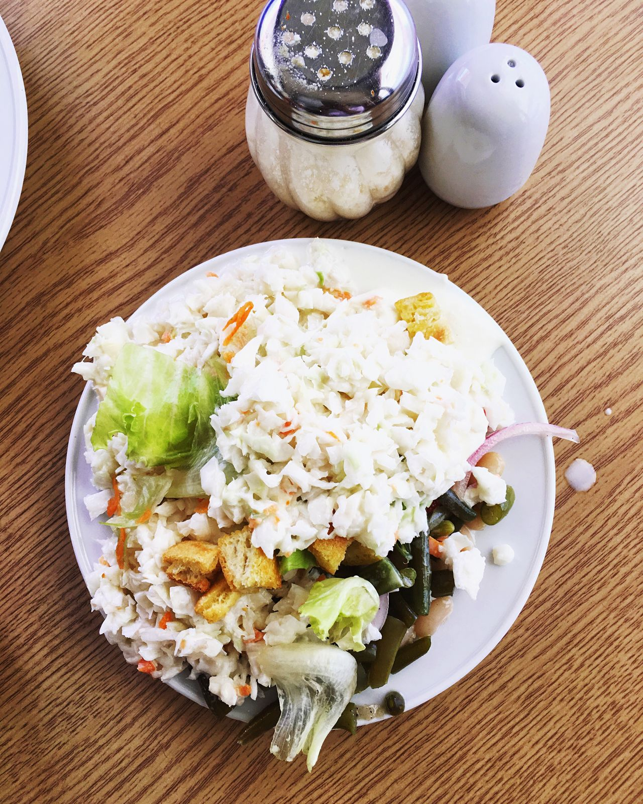 Salad Salade Salad Time Salads Restaurant Restaurants View From Above Dish Ready-to-eat Ready To Eat Food Fresh Vegetables Vegetable Shaker Table