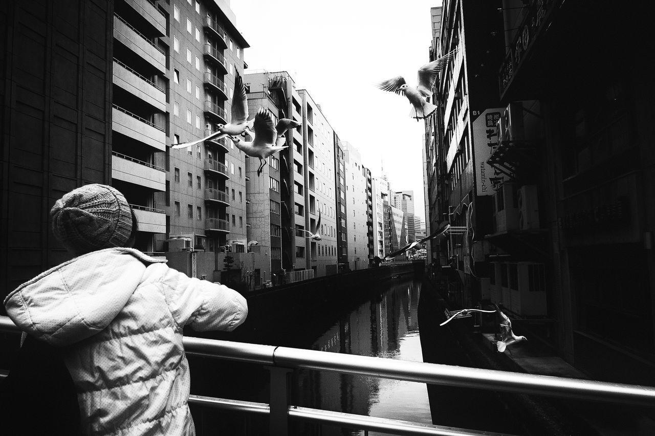 Streetphotography People Tokyo Street Photography Streetphoto Blackandwhite Black And White Streetphoto_bw Japan Streetphotography_bw B&w Street Photography Monochrome Photography The Week Of Eyeem