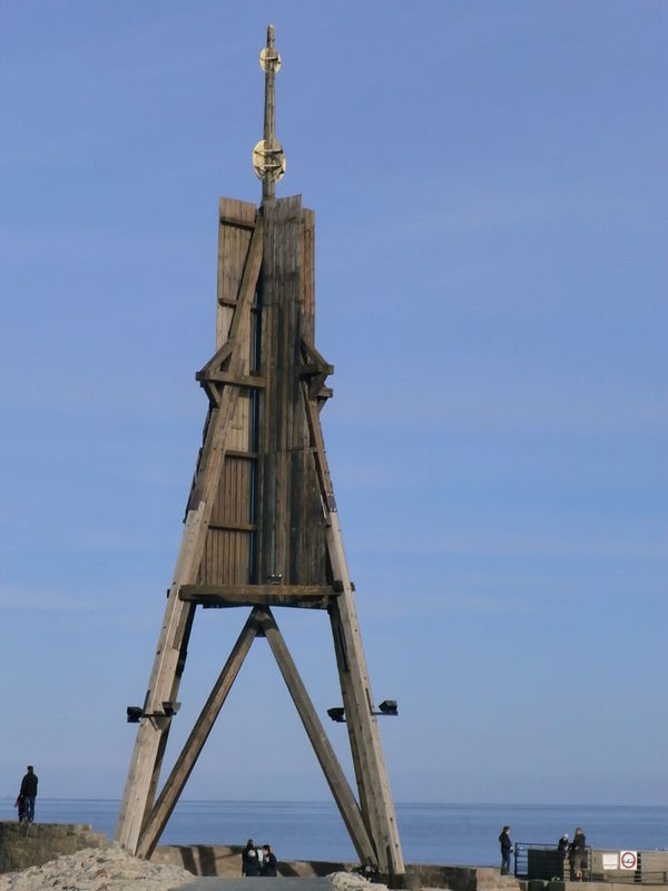 Kugelbake, an old navigation aid, in Cuxhaven, Germany Built Structure Cuxhaven Germany Horizon Over Water Incidental People International Landmark Kugelbake Lighthouse Navigation Mark North Sea Sea Shipping He