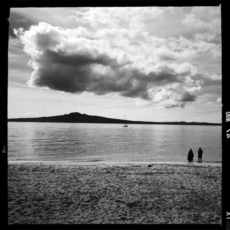 Beach AO DLX Film Silhouette Two Of A Kind