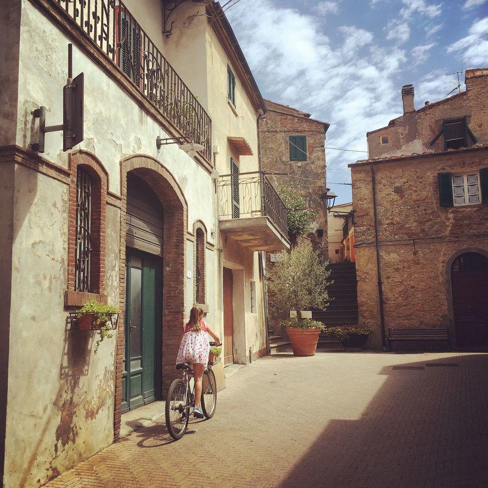 Beautiful stock photos of fahrrad, architecture, building exterior, sky, built structure