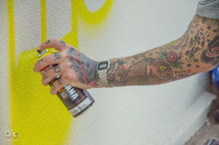 Tattoo Graffiti Poesia Nikon D7000 Fotografia Artederua Escritordegraffiti Nikonphotography Arteurbana Poetica Poesiadasimagens Fotografiaéarte Victornatureza Vitaonatureza Olharnatural Phtographydocumentary Poeticadacidade Forografiaderua UrbanART Arte Streetphotography Photography Streetart Nikon Photoart