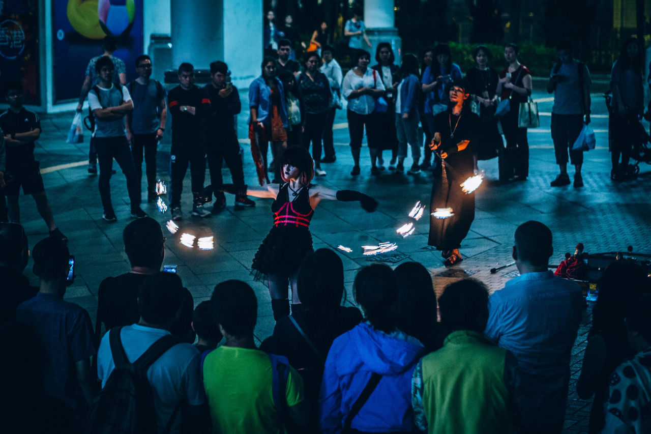 Art Is Everywhere Performance Street Busking People Enjoyment Night