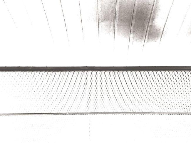 Minimalism_bw anoche en Metro De Madrid