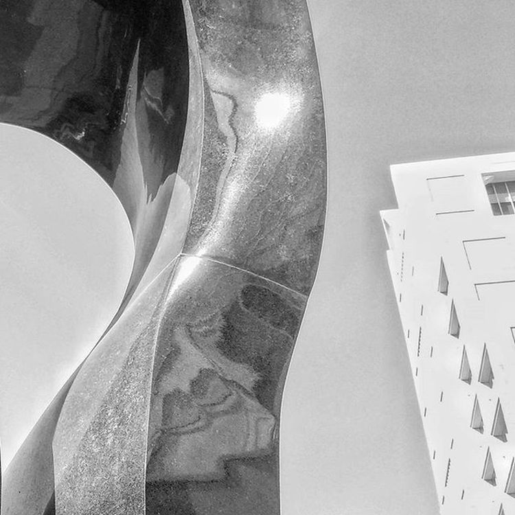 Art Sculpture Artist ArtWork Curve Ig_masterpiece Instaart Artphoto_bw Bw Black And White 白黒 モノクロ 美術 アート 彫刻 美術写真 Igers IGDaily Ig_europe Ig_japan PGstar Wu_europe Wu_japan Streetart UrbanART lookingup_architecture lookingup 写真好きな人と繋がりたい写真撮ってる人と繋がりたいファインダー越しの私の世界